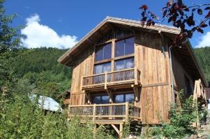 ski-chalet-large-balcony